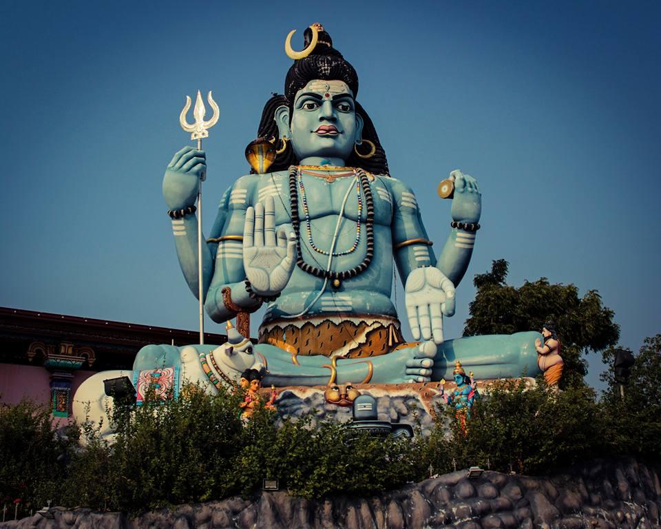 Yoga et religion ? Comprendre leurs liens.