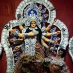 Durga दुर्गा, l'incarnation guerrière de l'énergie.